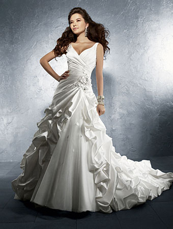 Alfred Angelo wedding gown style #2234